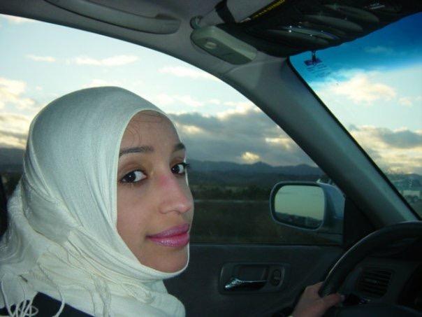 أخوان والفارس تكشفان طريقة تدريب قيادة السيارة في مدرسة شرق صحيفة ص برة الإلكترونية